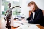 Юридические услуги в Киеве: помощь физическим лицам и компаниям
